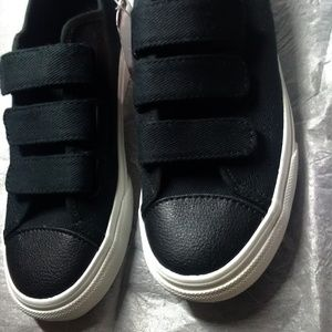 Women size 6 Vans shoes with straps - new